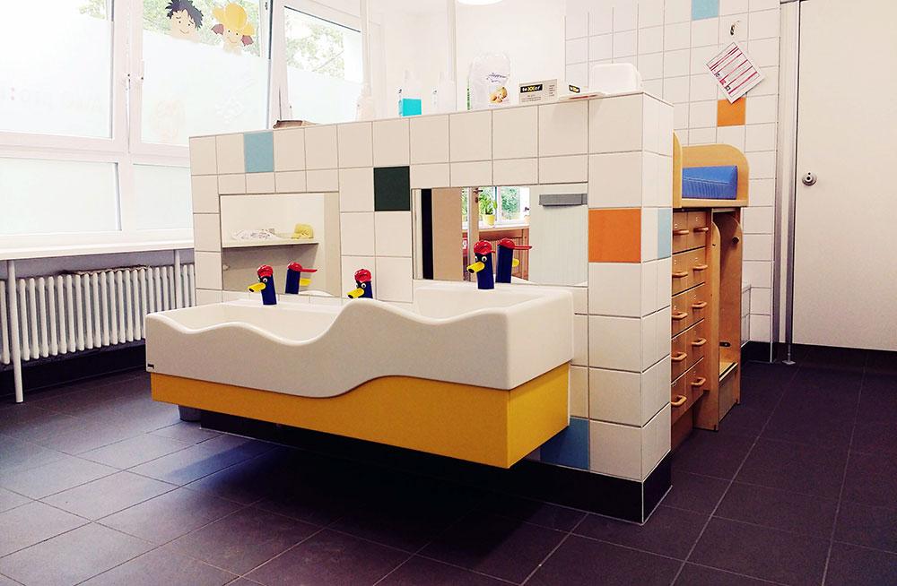 Sanietärbereich der Kindertagesstätte Notenhopser in Berlin- Marzahn nach dem Umbau