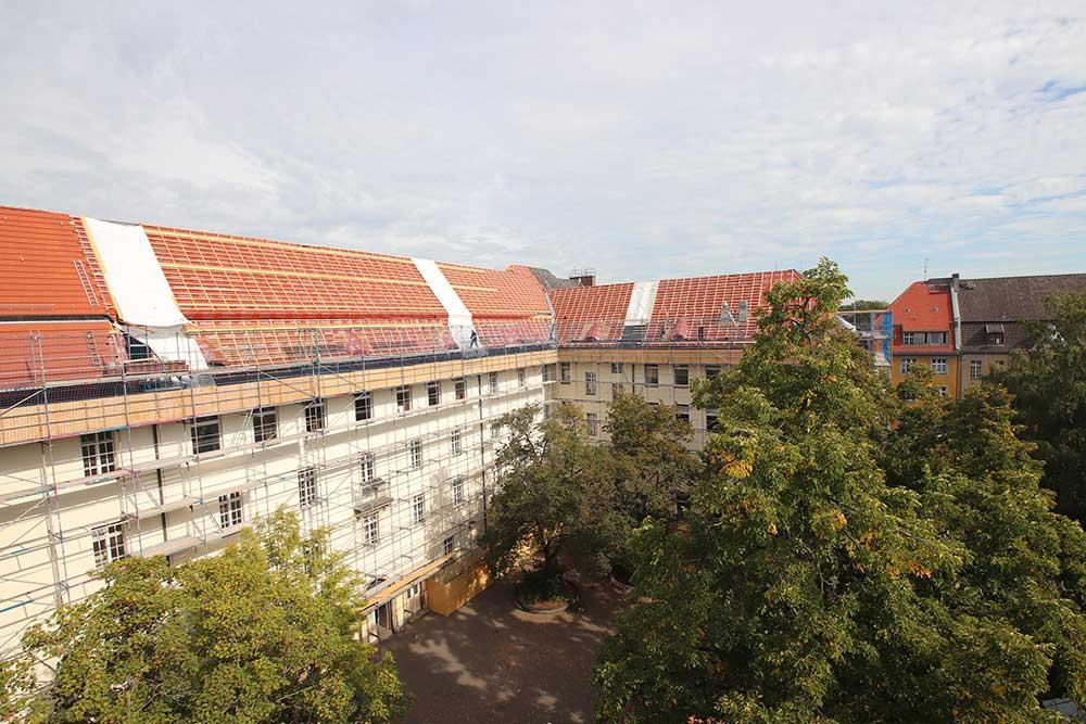 Schulbauoffensive Berlin Mitte Sanierung der Schule am Schillerpark Dachsanierung